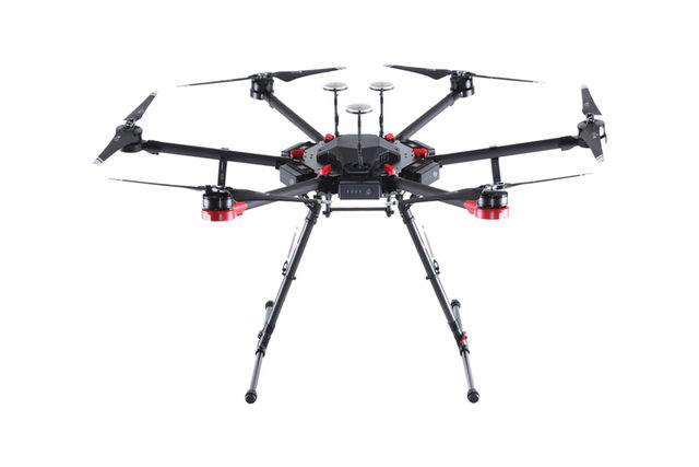 M600 Pro无人机正面
